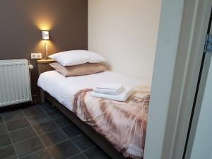 bed-1-300x225